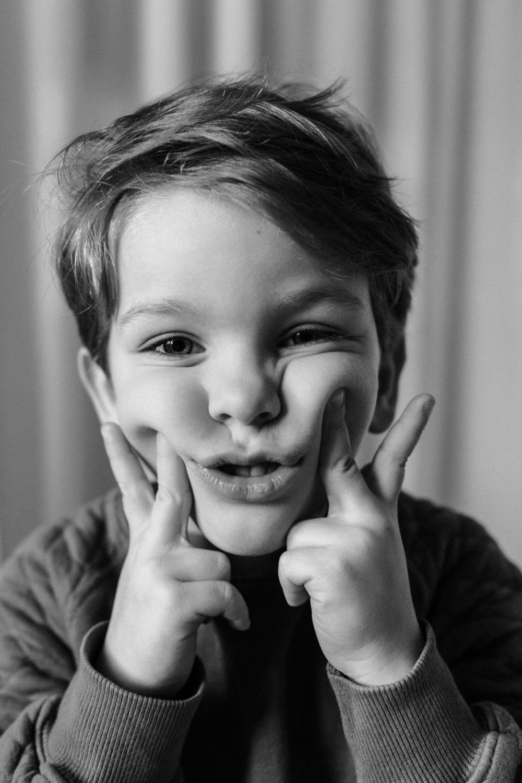 wild child kinder portrait
